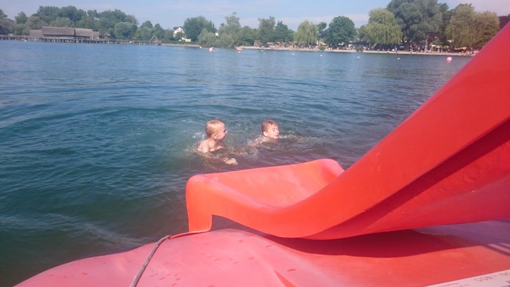 Waterfietsen op de Bodensee. Superleuk voor kinderen.
