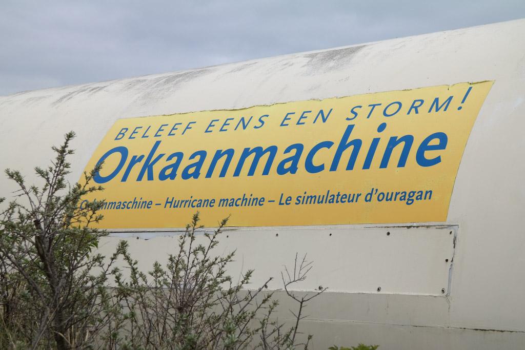 Beleef een echte orkaan met windkracht 12 in de orkaanmachine.