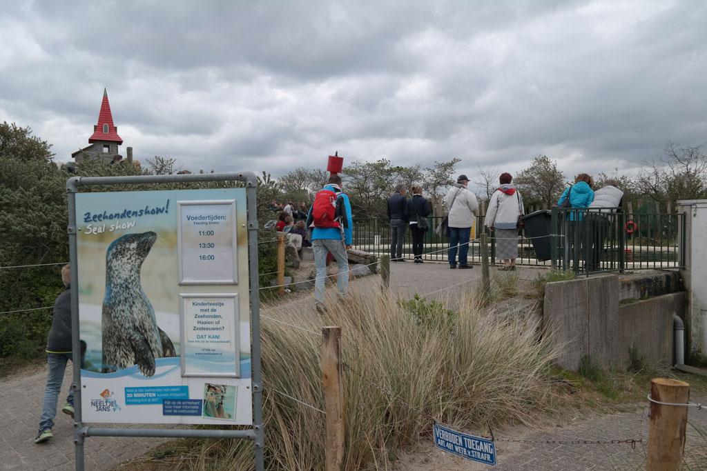 De zeehondenshow in voorin het park.