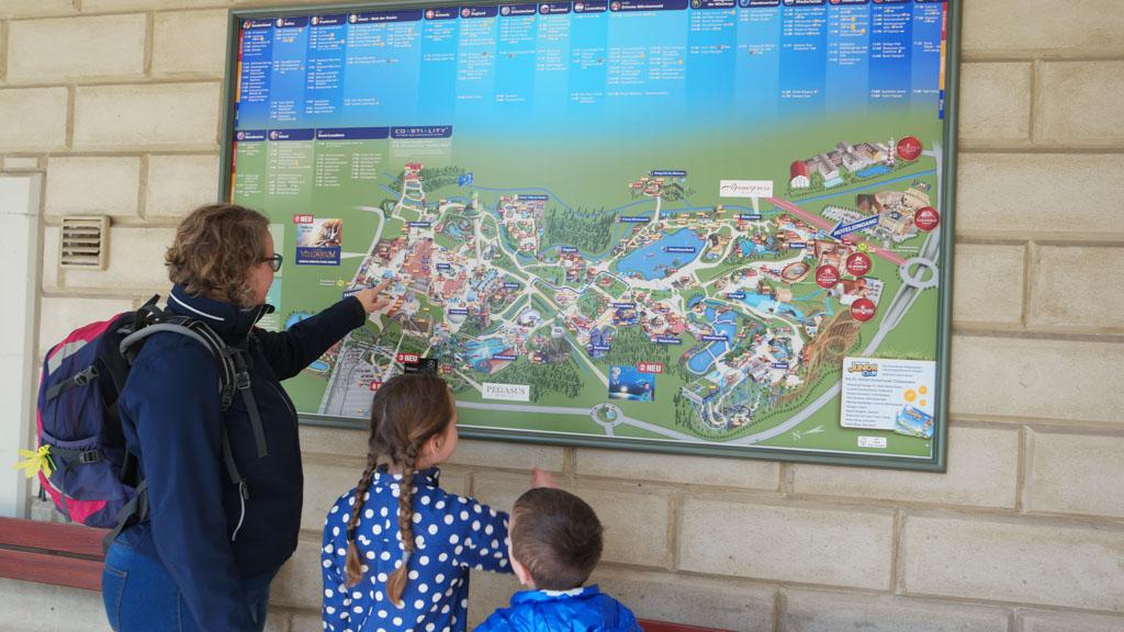 Europapark heeft een vrij hoge attractie dichtheid met weinig echt rustige plekken.