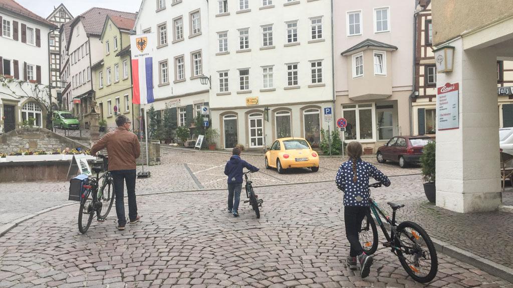 Met de fiets aan de hand door Bad Wimpfen.