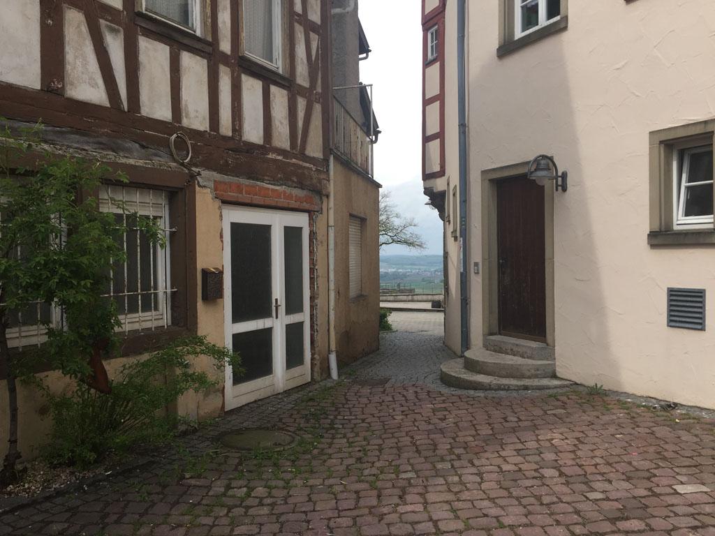 Het oudste huis van Lowenstein, de meeste bebouwing is verwoest tijdens een bombardement in de Tweede Wereldoorlog.