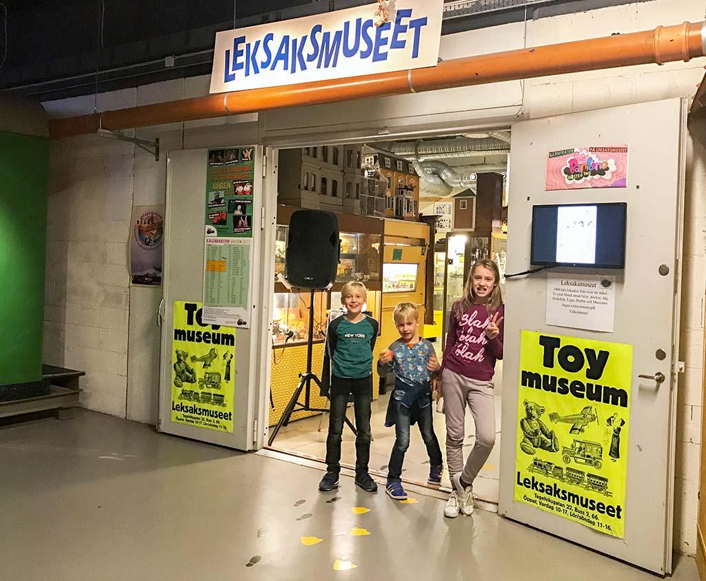 Het Speelgoedmuseum bevindt zich in het Spoorwegmuseum