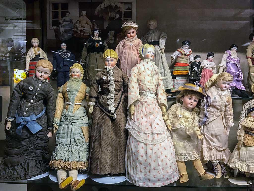 Sommige oude poppen zijn best eng!