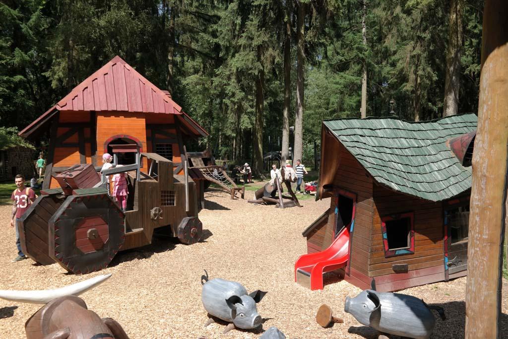 De klim- en klauterboerderij.