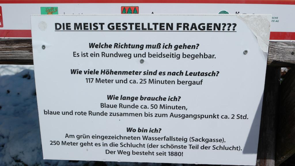 Aan het informatiebord bij de entree staan de antwoorden op de meest gestelde vragen over de Leutascher Geisterklamm.