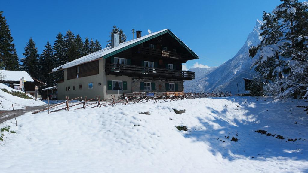 De hut langs de blauwe route.