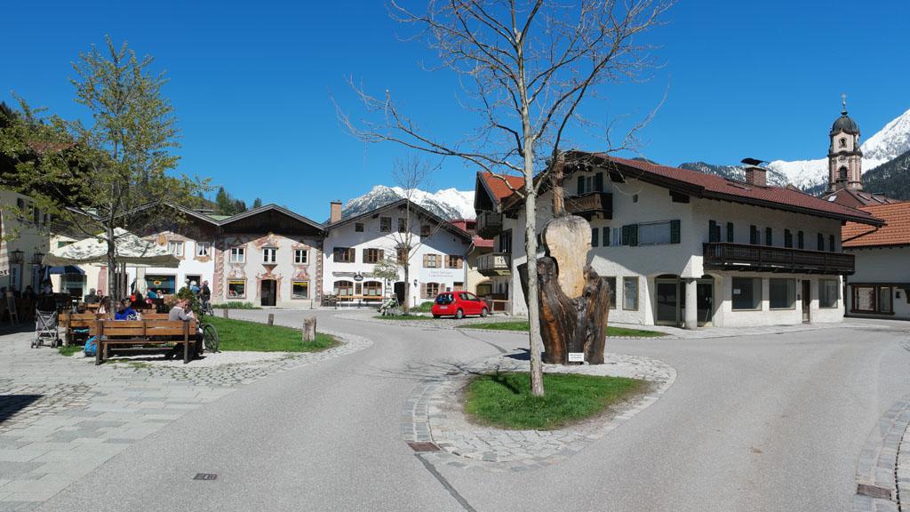 Mittenwald staat bekend om de vioolbouw.