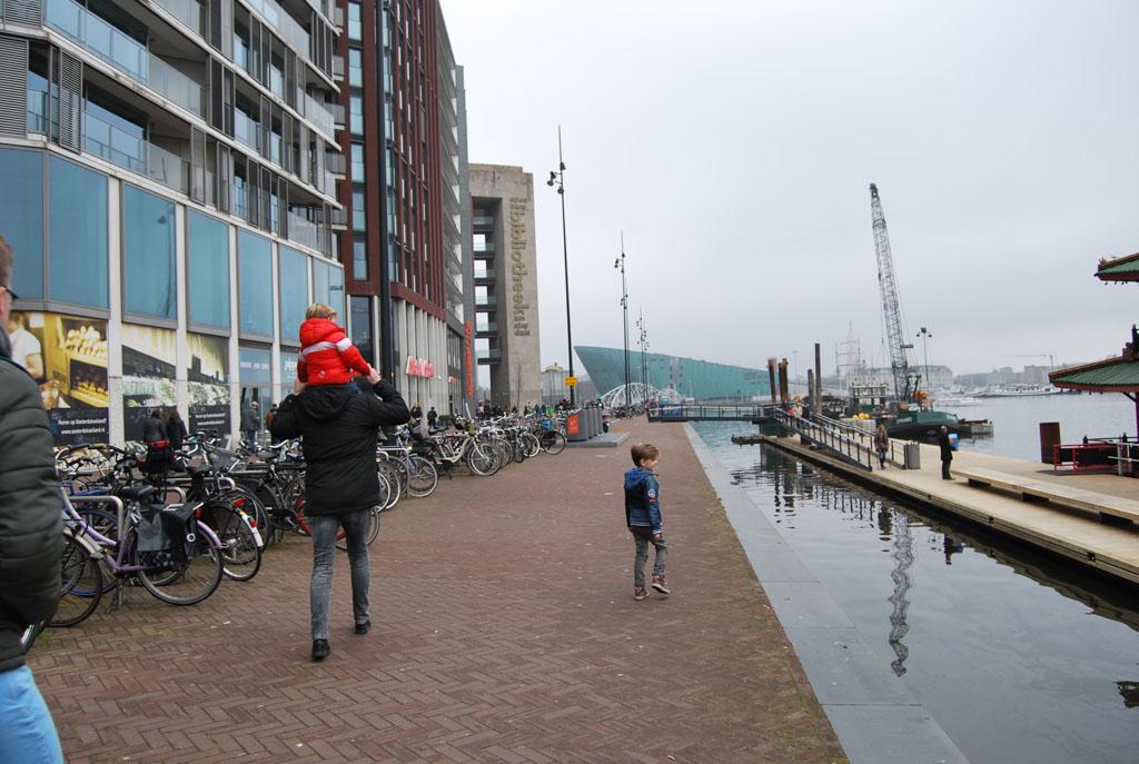 Onderweg naar het Muizenhuis. Een klein stukje Amsterdam ontdekken.