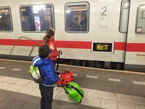 Stedentrips met de trein zijn bij onze kinderen een groot succes.