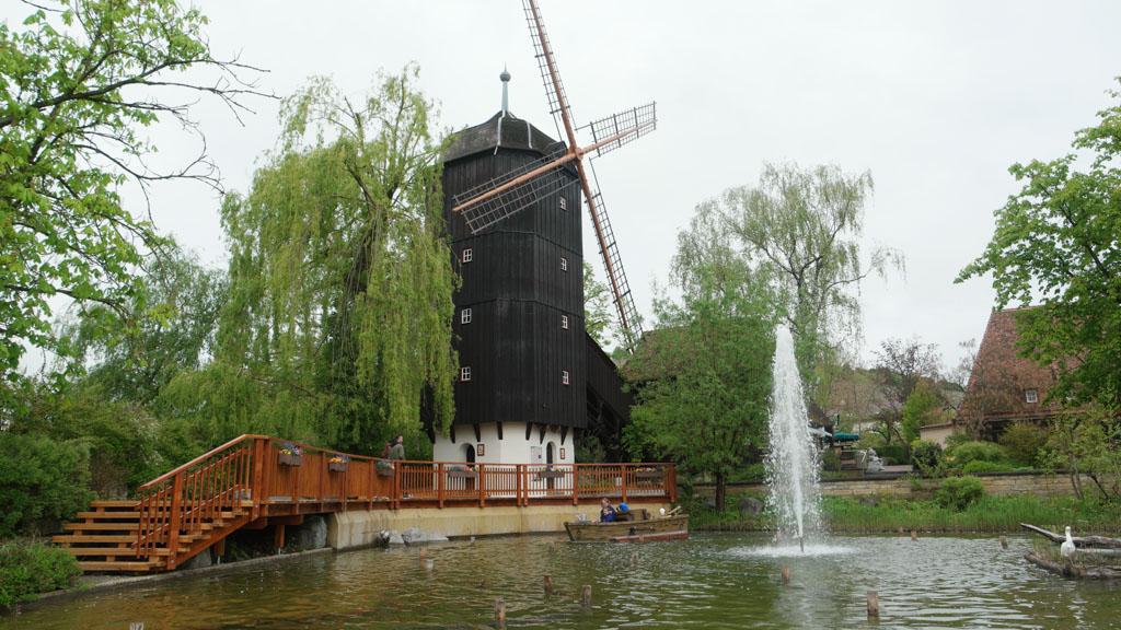 De molen die ook in het logo van Tripsdrill te zien is.