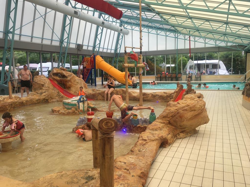 Het peuterbadje van Camping Ardoer Ackersate is erg leuk voor de kleintjes!