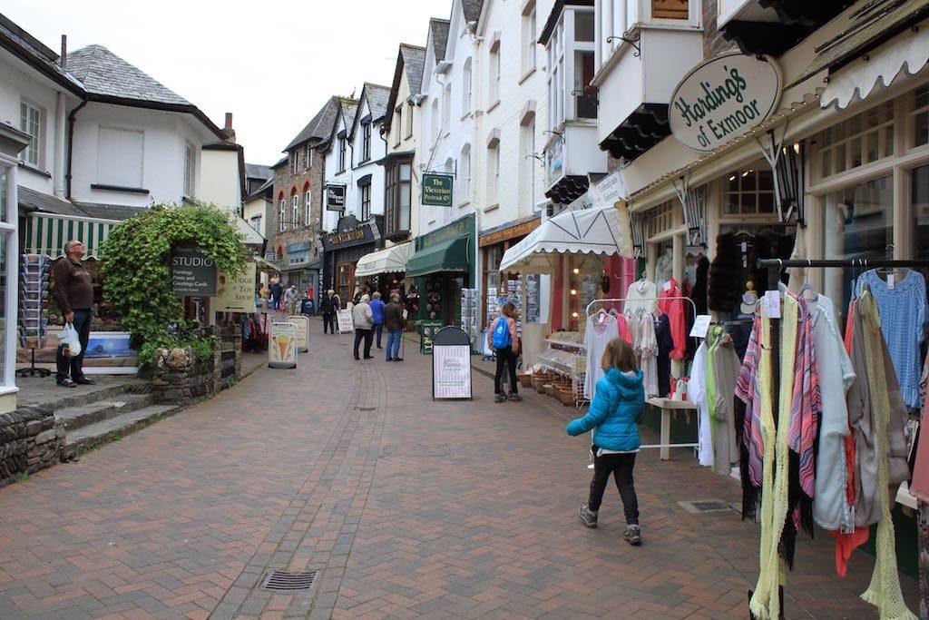 In Plymouth en Lynton kun je leuk winkelen.