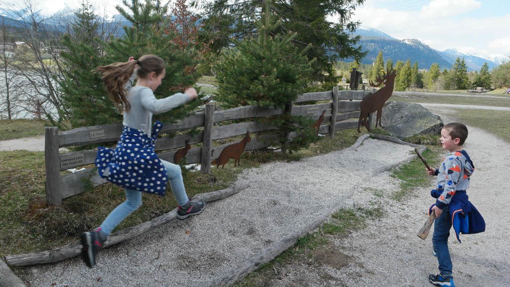 Hoe ver kan jij springen? En welk dier springt net zo ver?