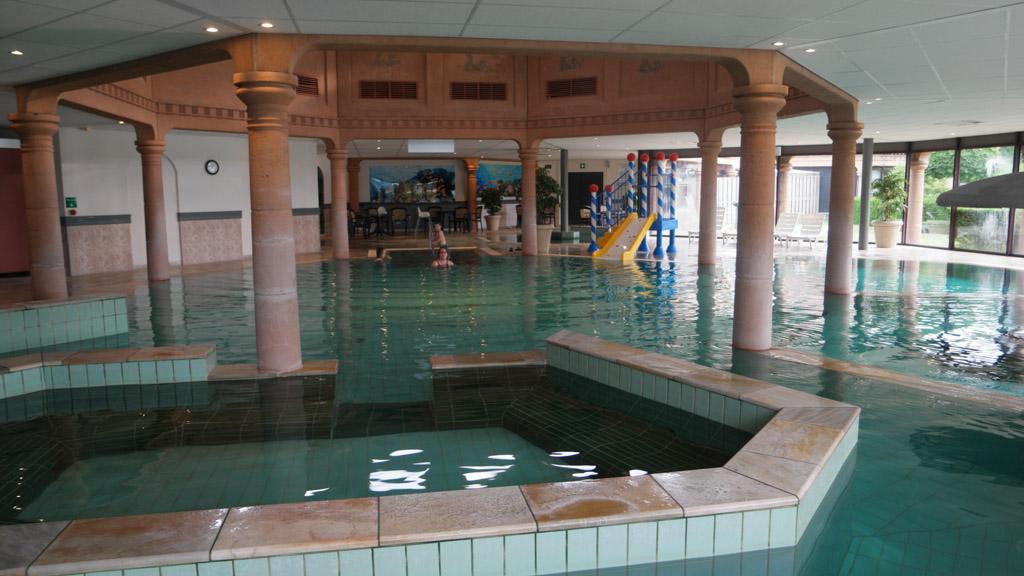 Het zwembad van Landal Stroombroek.