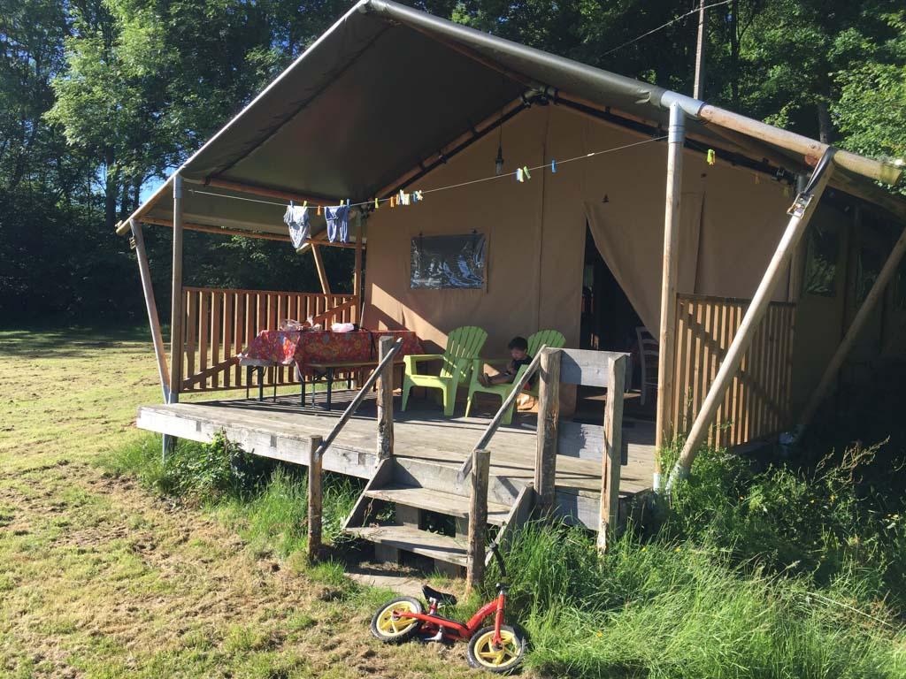 Bij Moulin des Jarasses kan je authentiek kamperen, maar dan met een beetje luxe.