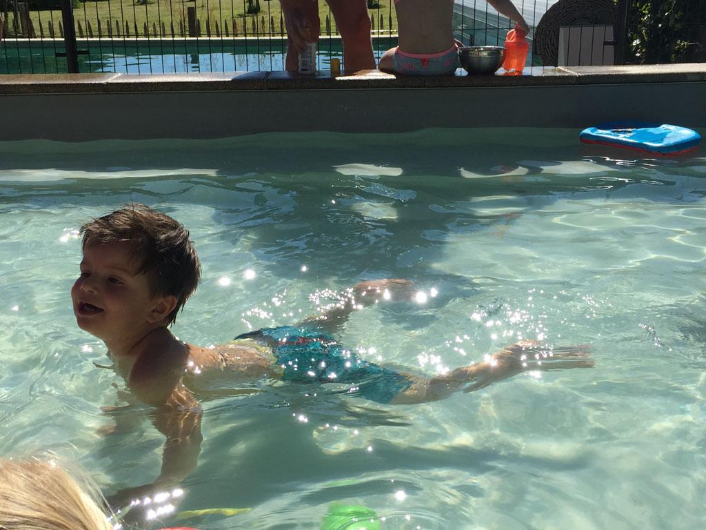 En bij mooi weer natuurlijk heerlijk zwemmen in het verwarmde zwembad.