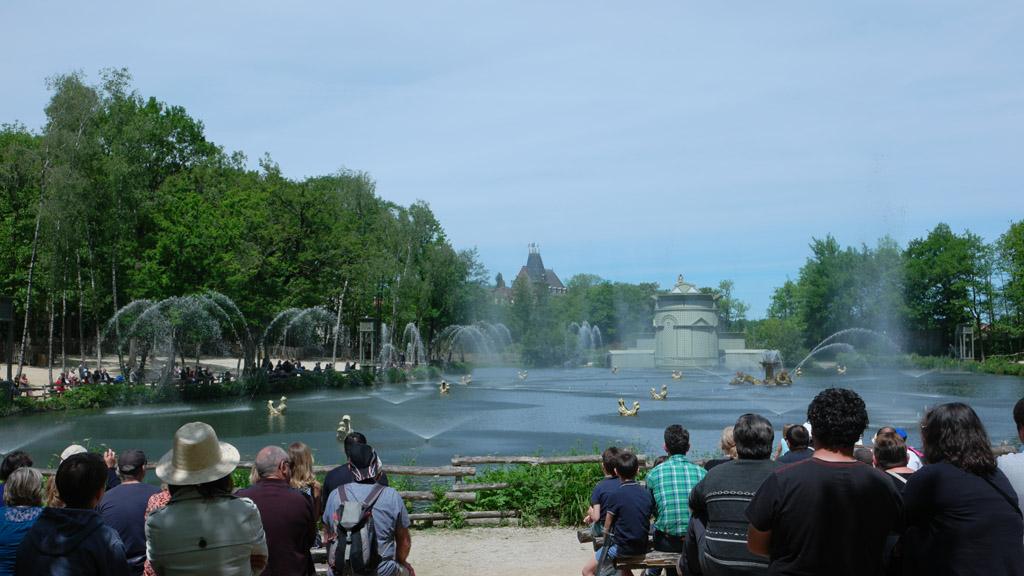 De fonteinshow overdag.