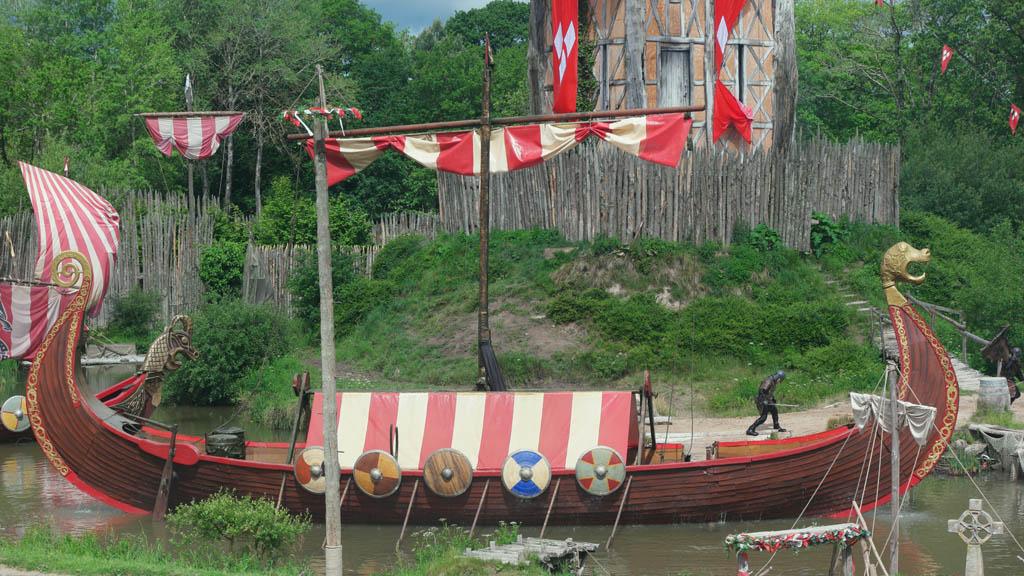 Een echt Vikingschip komt tevoorschijn.