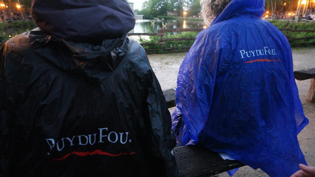 Regen? Trek een poncho aan.