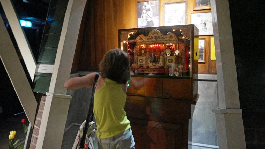 Dansen bij de jukebox.
