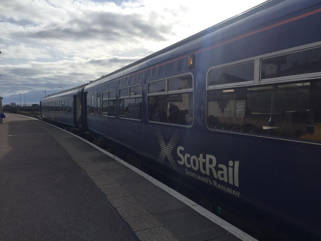 Met een reguliere trein van Scot Rail reizen we terug van Mallaig naar Fort William.