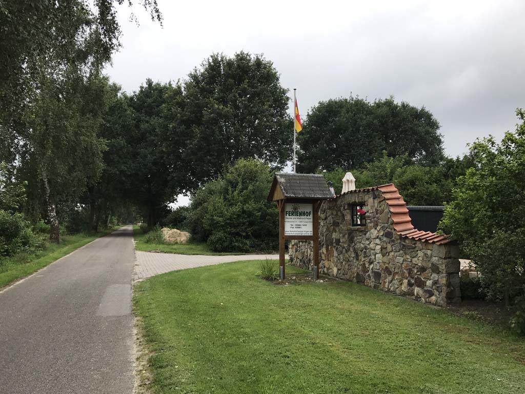Ferienhof Pieper ligt midden in Emsland en is onderdeel van een boerenbedrijf.
