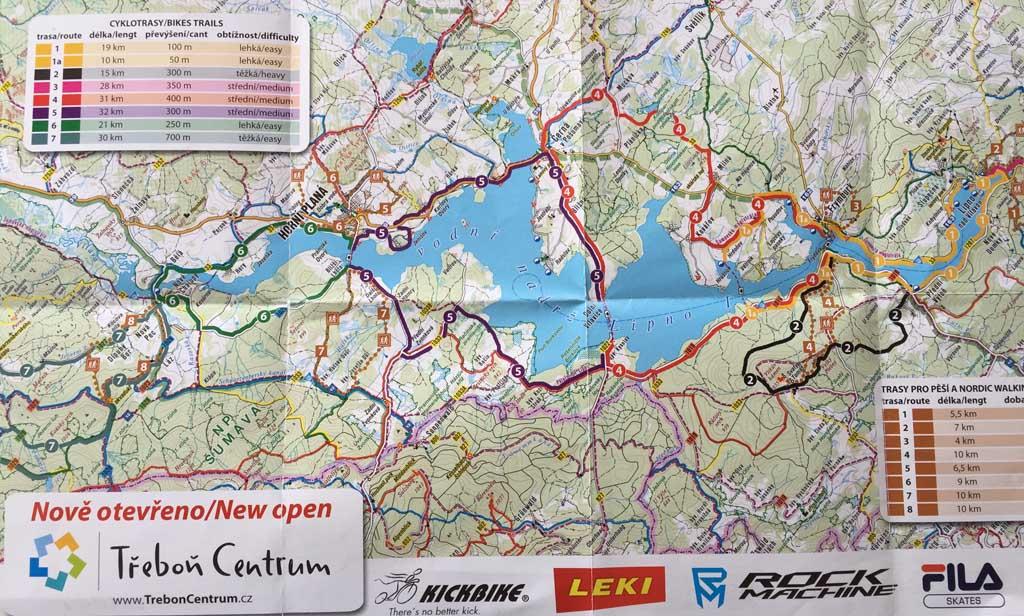 In de folder die bij de camping ligt staan verschillende fietsroutes langs het Lipnomeer. Voor ieder niveau is er een geschikte route te vinden. Fietsen langs het lipnomeer