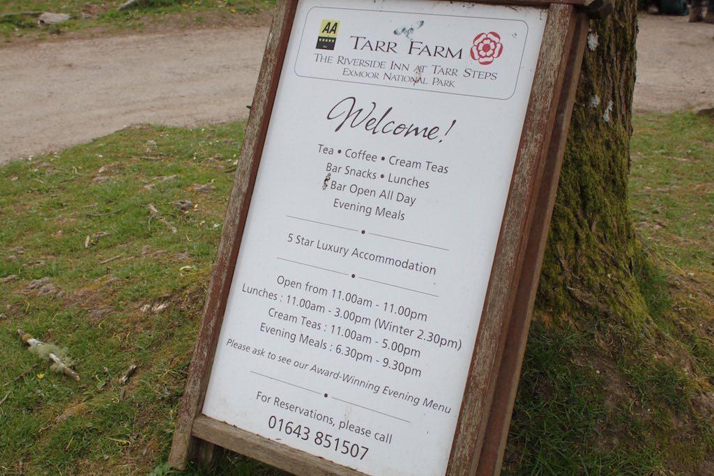 We zijn welkom bij het restaurant, vlakbij de Tarr Steps.