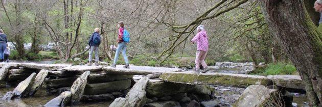 Kindvriendelijk wandelen bij de Tarr Steps in Exmoor