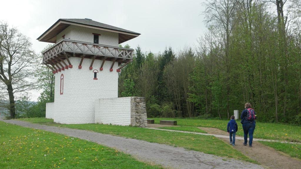 De reconstructie van de Romeinse wachttoren.