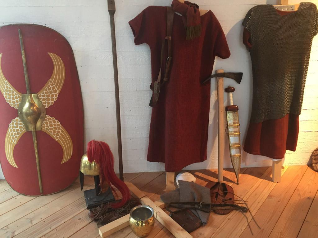 De uitrusting van de Romeinen waarmee ze lopend over de Alpen kwamen.
