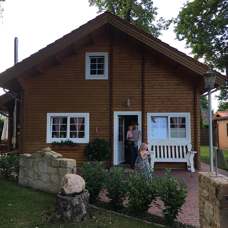 Wat een fijn houten huis bij Hotel Dickenberg in Ibbenbüren