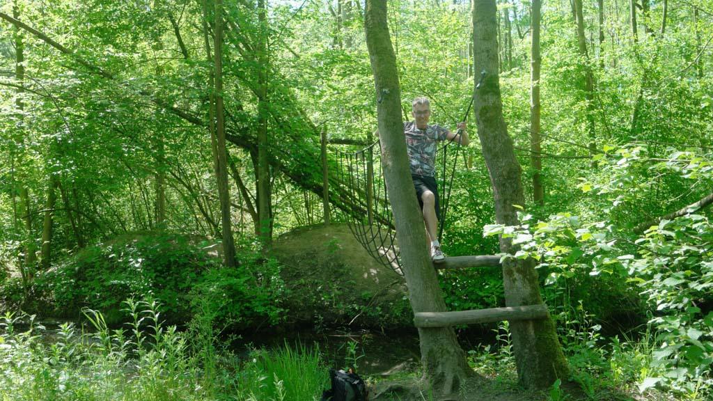 Ook Gerard klimt en klautert overal overheen.