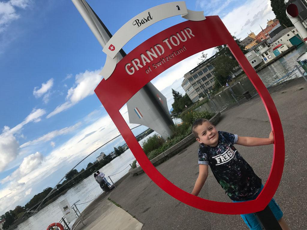 Het Drielandenpunt is onderdeel van de Grand Tour door Zwitserland.