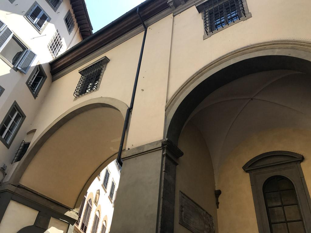 De 'geheime' gang boven Ponte Vecchio.
