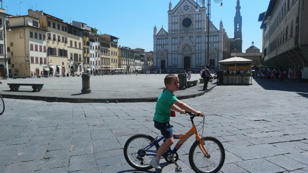 Santa Croce bekijken we deze keer alleen vanaf een afstandje.