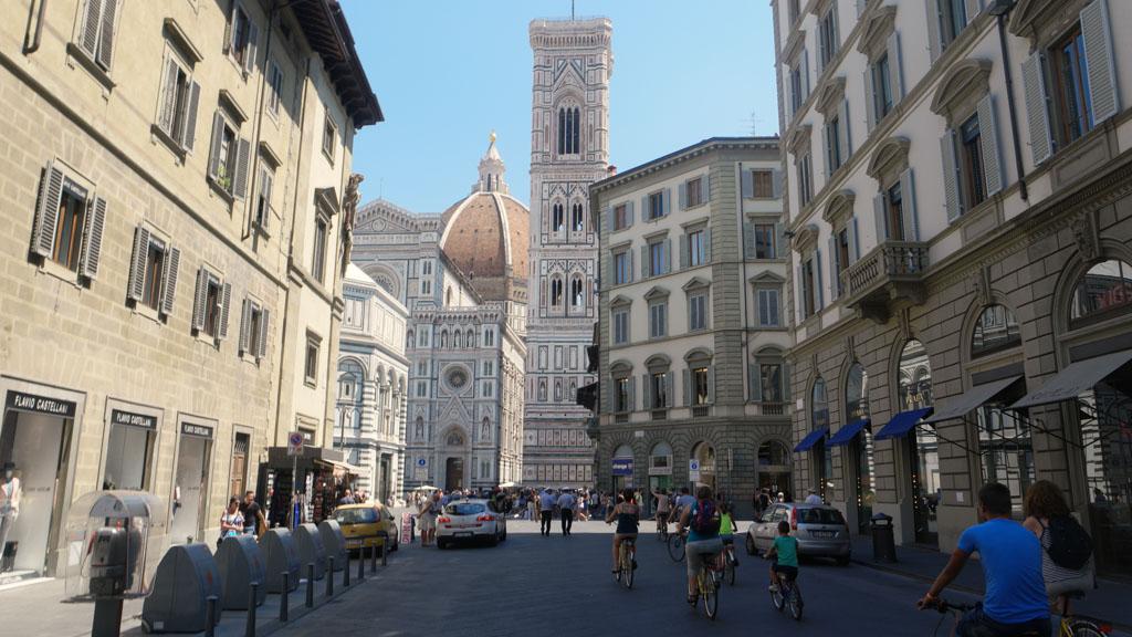 Als we de dom weer zien zijn we bijna terug en is onze fietstour in Florence alweer afgelopen.