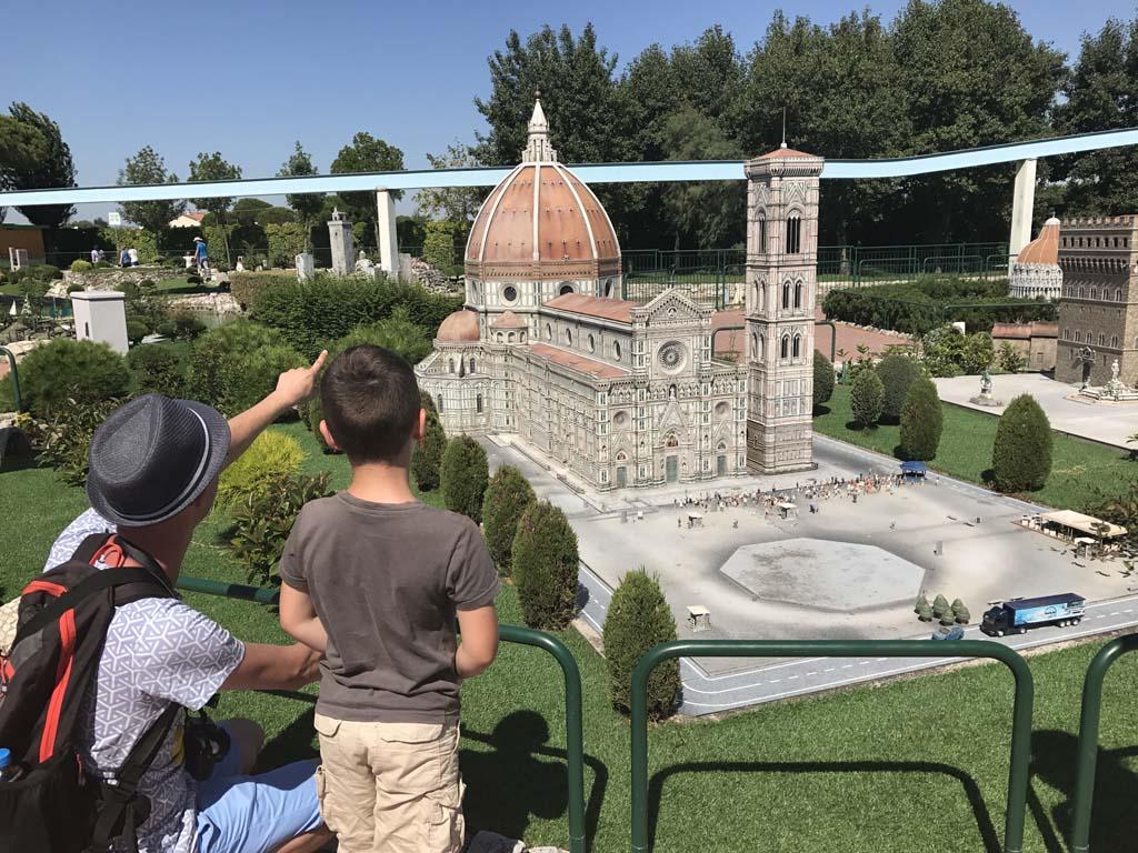 Gerard vertelt over de kathedraal van Florence.