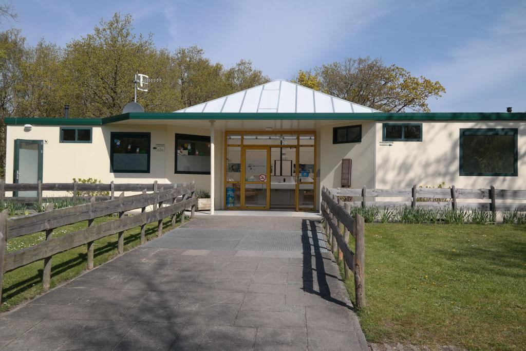 Verwarmd sanitair zoals hier op camping 't Woutershok op Texel is onmisbaar in het voorseizoen.