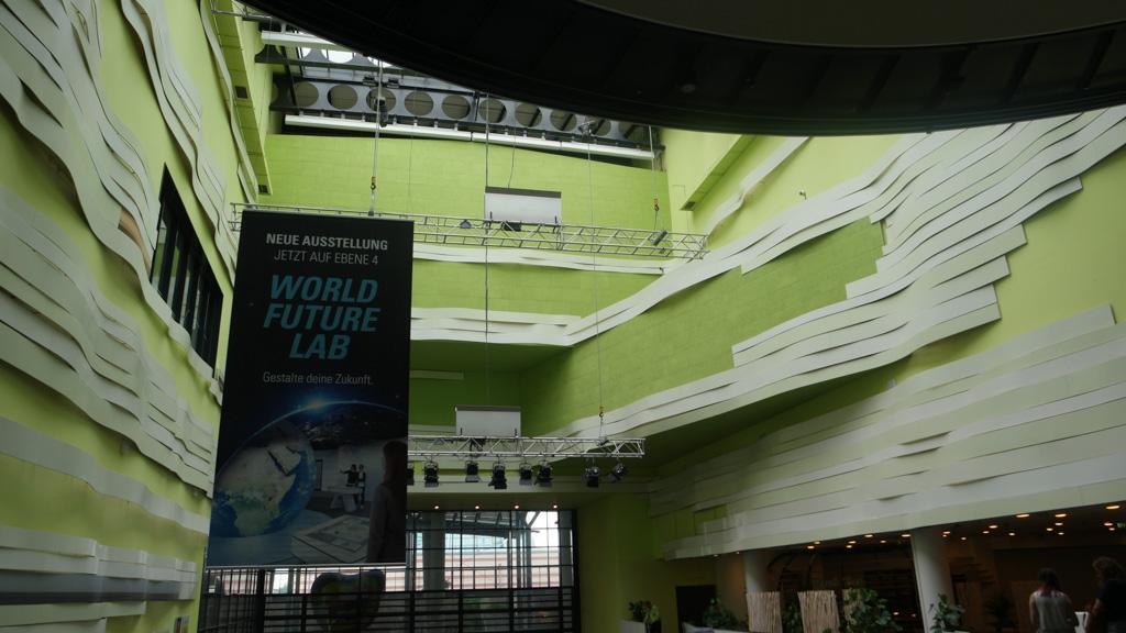 Het Klimahaus is in een futuristisch gebouw gevestigd met een fraaie inrichting.