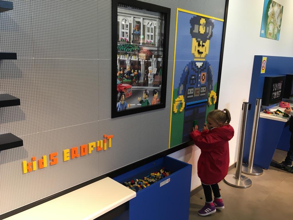 Binnen spelen met de lego
