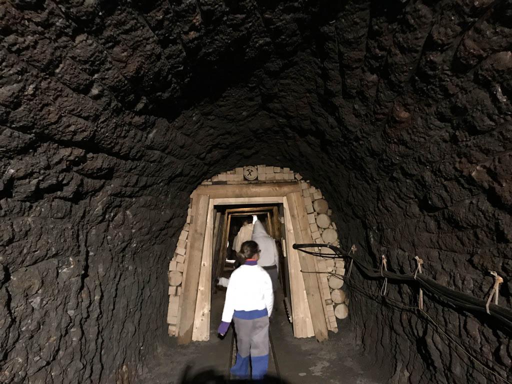 Natuurlijk mag een bezoek aan de naamgever van de hele regio niet ontbreken bij een bezoek aan de Wolfgangsee. Wij begeven ons onder de grond in een zoutmijn.