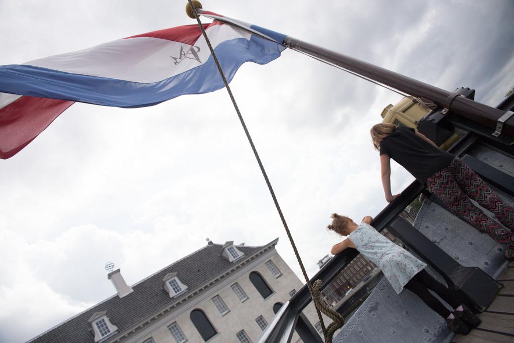 Met de VOC vlag in de mast...