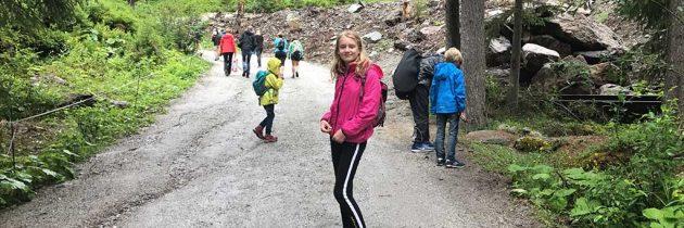 Wandelen bij Sankt Anton met kinderen, inclusief wijnproeverij in de natuur