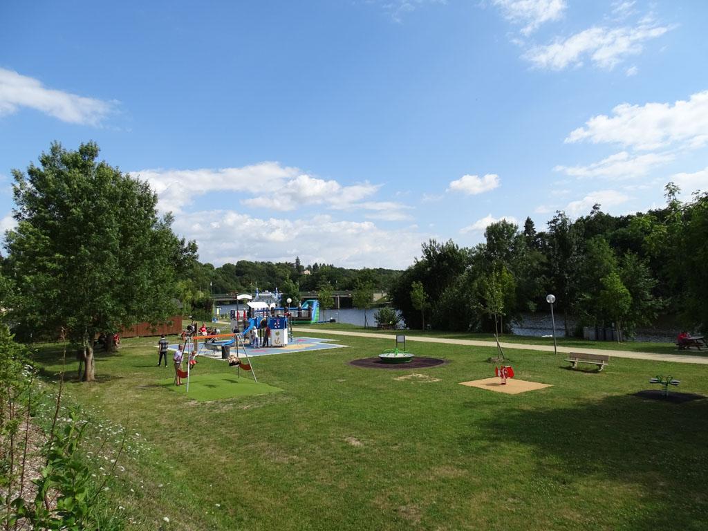 Een prachtige speelplek aan de oevers van de Mayenne.