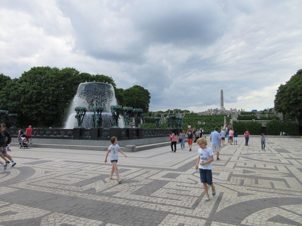 Lekker rennen tussen de stenen en bronzen beelden
