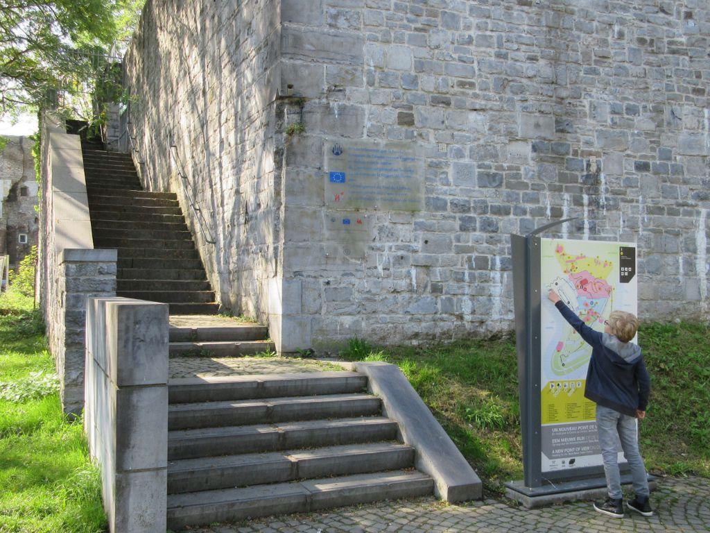 Citadel van Namen met kinderen bezoeken