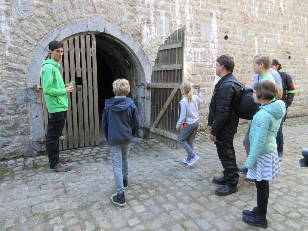 De ingang van de catacomben van de citadel van Namen