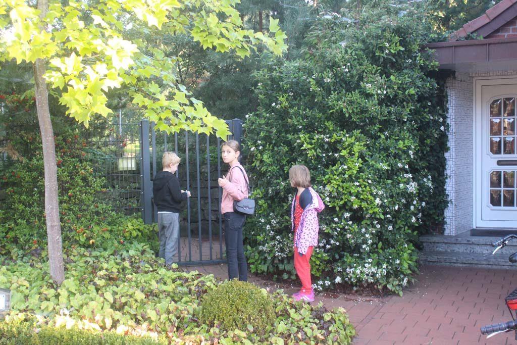 We hebben onze eigen ingang naar de dierentuin!